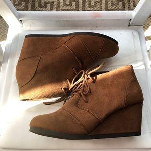 New Woman's booties